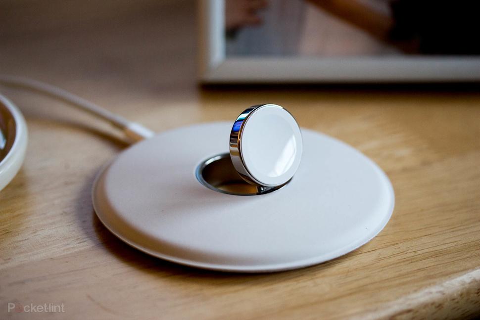 s lection des meilleurs chargeurs induction pour l 39 apple watch. Black Bedroom Furniture Sets. Home Design Ideas